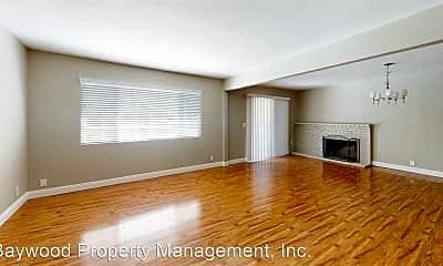 Living Room, 451 Springvalley Dr, 1