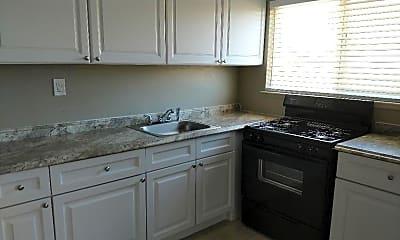 Kitchen, 6125 Stockton Blvd, 1