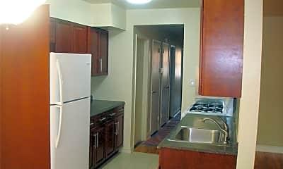 Kitchen, 1165 E 59th St, 1