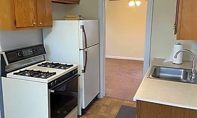 Kitchen, 531 E 222nd St, 2