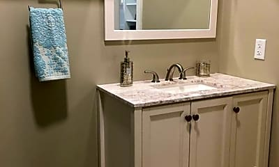 Bathroom, 235 Hanover St, 2