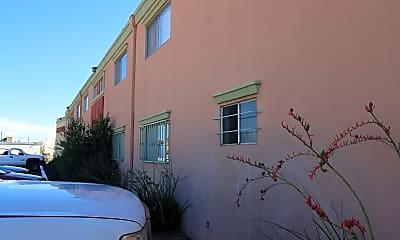 White Oak Apartments, 0