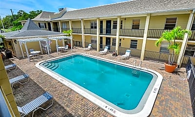 Pool, 5221 Bayshore Blvd 23, 2