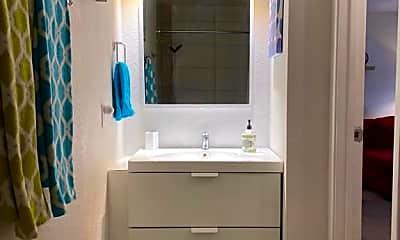 Bathroom, 2820 N Arcadia Ct, 1