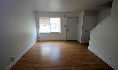 Living Room, 4424 3rd Ave N, 1