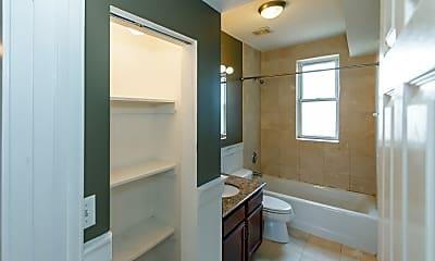Bathroom, 5913 N Paulina St 3E, 2