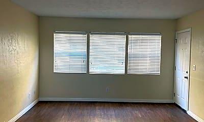 Living Room, 3060 Suncrest Dr, 1