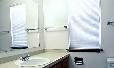 Bathroom, Carpenter Crest Apartments, 2