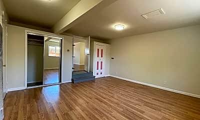 Living Room, 2436 Holland St, 1