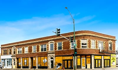 Building, 3801 N Clark St 2FL, 0