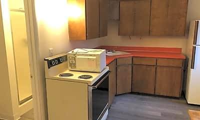 Kitchen, 179 129th St E, 1