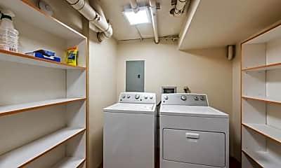 Bathroom, 505 W Roy St, 2