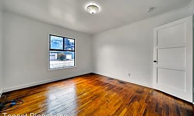 Living Room, 764 Stewart Ave, 2