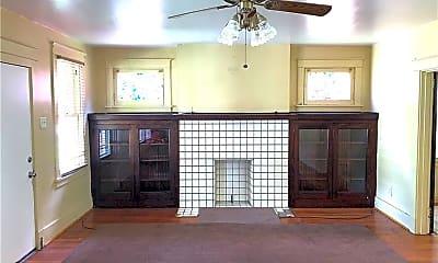 Living Room, 4005 California Ave, 1