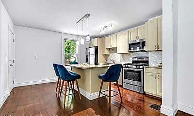 Kitchen, 506 Ludlow Ave 2 500, 1