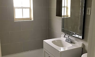 Bathroom, 4017 SW 24th St, 0