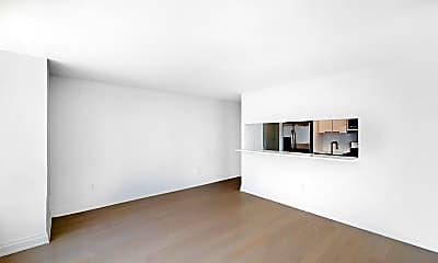 Living Room, 240 East 86th Street, Unit 17M, 1