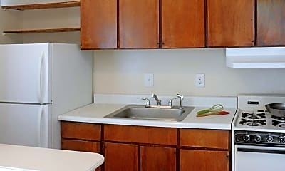 Kitchen, Forest Square Apartment Homes, 1