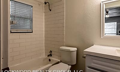 Bathroom, 711 E Carson, 2