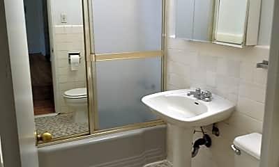 Bathroom, 6116 N Damen Ave 2A, 2