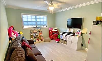 Living Room, 6752 Montego Bay Blvd, 2