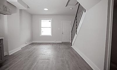 Bedroom, 6143 Glenmore Ave, 2