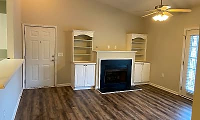Living Room, 531 McKenna Cir, 0