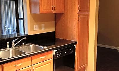 Kitchen, 3495 Sweetwater Cir, 2