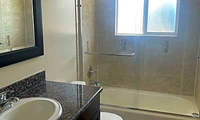 Bathroom, 3147 Williamsburg Dr, 2