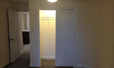 Bedroom, 5117 W Montrose Ave, 2