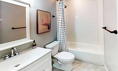 Bathroom, Room for Rent - Live in Grove Park, 2