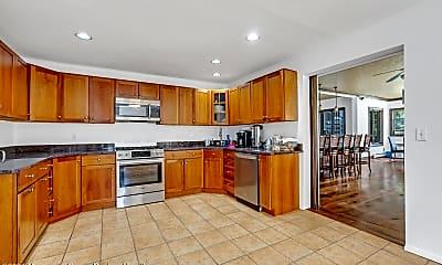 Kitchen, 433 Monmouth Pl, 1