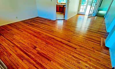 Living Room, 2245 Baldwin St, 1