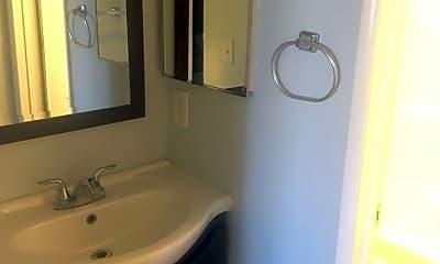 Bathroom, 1360 E Pasadena St, 1