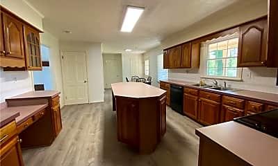 Kitchen, 621 Timberland Trail, 1
