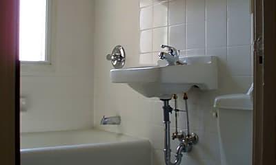 Bathroom, 2829 Park Ave, 2