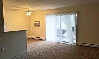 Living Room, 532 W Marshall St, 1