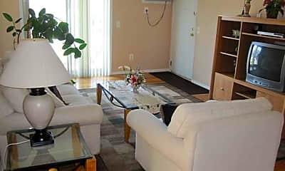 Living Room, Ridgedale Gardens, 2