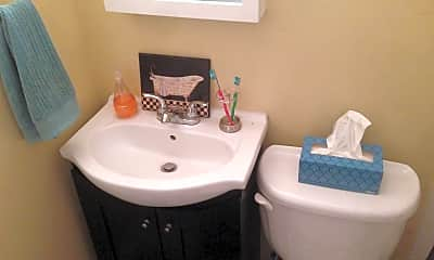 Bathroom, 3311 Ellwood Ave, 2