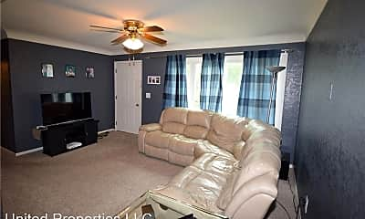 Living Room, 106 E Willman St, 2