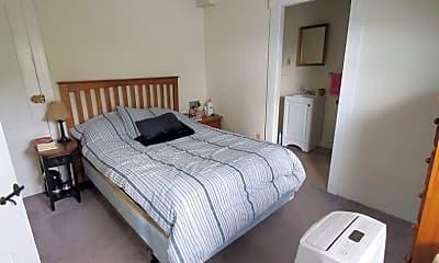 Bedroom, 21 S Main St, 2