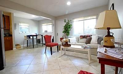 Living Room, 171 Erie St, 1