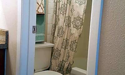 Bathroom, Ironwood Apartments, 2
