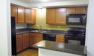 Kitchen, 8836 Royal Manor Dr, 1