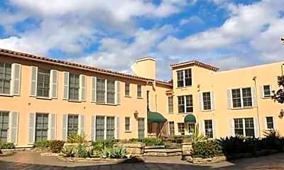 Lindbrook Manor Apartments, 1