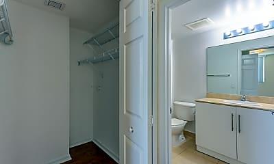 Bathroom, 25 Biscayne Park, 2