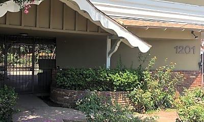 El Rancho, 1