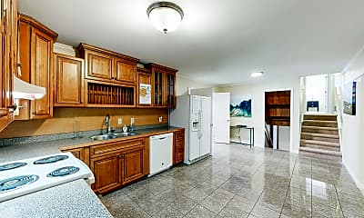 Kitchen, Room for Rent - Live in Riverdale, 0