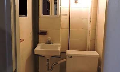 Bathroom, 1526 W 2nd St, 2