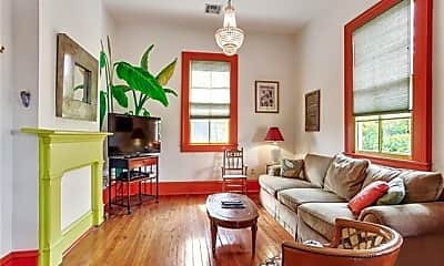Living Room, 711 Bartholomew St A, 1